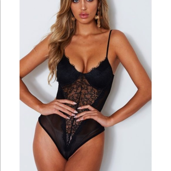 257ec2da28aa7 WhiteFox kim k lace bodysuit black Medium